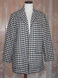 Woman's Vintage Wool Blend Houndstooth Jacket by jonscreations