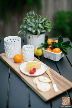 Urban Backyard Decorating Ideas: Bistro-Style Table Styling by Ashley Rose of Sugar & Cloth. Click through to see more of this small patio that's made for entertaining.