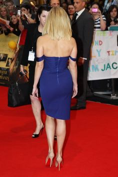 Reese Witherspoon booty and sexy gams in a little blue dress and Louboutin heels on the red carpet