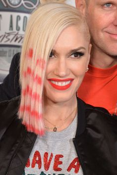 Gwen Stefani takes a geometric approach to her pinky-peach dye job with an ultra-cool hair pattern.