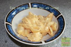 Easy, Creamy Homemade Mac and Cheese Recipe on http://pays2save.com