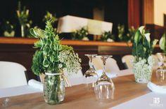 Mason Jar Center Pieces with Green Calla Lilies. #callaforniacallas #calcallas
