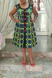 Mere Just meet like this dress. Buttons would be in black so it can have many more looks in different settings. Latest African Fashion Dresses, African Print Dresses, African Dresses For Women, African Print Fashion, Africa Fashion, African Wear, African Attire, African Women, Women's Fashion Dresses