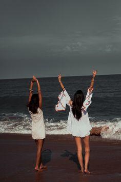 Modelos Shop República. Foto inspiração amigas na praia!