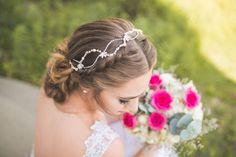 ♥♥♥  Aflorar Noivas A Aflorar Noivas é uma empresa de acessórios exclusivos e de alta qualidade para noivas. Os modelos também podem ser personalizados e feitos sob medida. http://www.casareumbarato.com.br/guia/aflorar-noivas/
