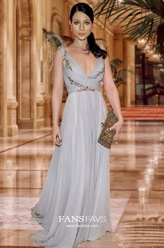 Shop A-line V-neck Chiffon Floor-length Appliques Lace Prom Dresses at FansFavs. Discover more Prom Dresses online to fit your fashionable needs. Grey Prom Dress, Mermaid Prom Dresses, Prom Gowns, Formal Gowns, Ball Gowns, Prom Dresses Canada, Prom Dresses Online, Chiffon Dress, Meet
