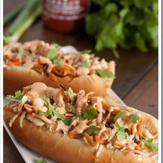 Asian Slaw Dogs with Sriracha Mayo // spicy, crunchy perfection for game day via. - Asian Slaw Dogs with Sriracha Mayo // spicy, crunchy perfection for game day via the Marvelous Misa - Dog Recipes, Asian Recipes, Cooking Recipes, Ethnic Recipes, Sausage Recipes, Burger Dogs, Burgers, Asian Slaw, Good Food