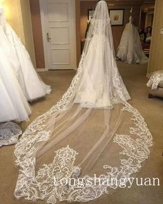 Unique Bridal Veils Ivory Cathedral 3M Applique Lace Edge Wedding Veil With Comb