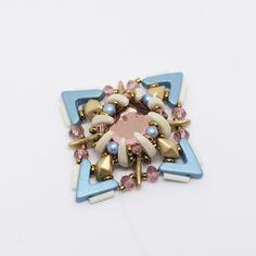 Tutoriel DIY étape 8 boucles d'oreilles printemps avec perles en verre Ava beads, crescent beads, toho beads et cristaux Swarovski