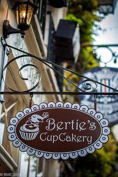 Bertie's Cup Cakery, 26 Rue Chanoinesse,  Paris 4e