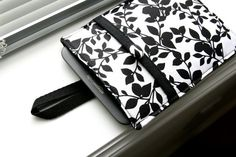 Kindle Sleeve / Kindle Case / Kindle Cover / Kindle by chubbycloud, $24.00
