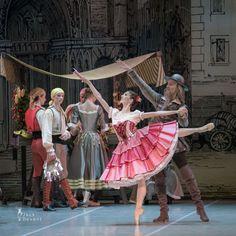 Alla Bocharova and Sergey Davydov in Don Quixote act 1
