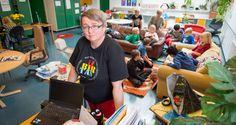 School -- Runosmäen koulun 3b-luokan opettaja Maarit Korhonen laittoi opetusta uusiksi.
