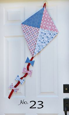 Kite for front door. Kite Party, Cute Crafts, Diy Crafts, Wreaths For Front Door, Front Doors, Front Porch, Go Fly A Kite, Diy Shutters, Antique Sewing Machines