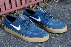 I need these Nike SB Janoski Obsidian gum soles in MY LIFE. Blue suede sneakers in women's size!