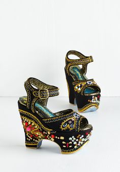 Whoa and Behold Heel. Turn heads left and right in these woven black pumps by hard-to-find brand Irregular Choice Gold Label. #black #modcloth
