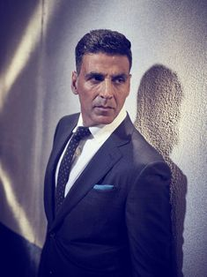 Yes, Akshay Kumar has posted a video of himself in dhoti while doing the summersault Akshay Kumar Photoshoot, Akshay Kumar Style, Indian Actresses, Actors & Actresses, Twinkle Khanna, Amy Jackson, Indian Celebrities, Bollywood Stars, Picture Collection