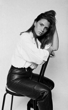 Victoria-Beckham-18-ans-vintage-photos-02.jpg 437×700 pixels