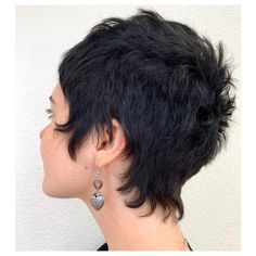 Starting my mid week off right with some hairline magick 🔮 Cut Oakland Cleansed with New… Shaggy Short Hair, Funky Short Hair, Short Curly Hair, Short Hair Cuts, Curly Hair Styles, Curly Pixie Haircuts, Cute Hairstyles For Short Hair, Brünetter Pixie, Pretty Short Hair