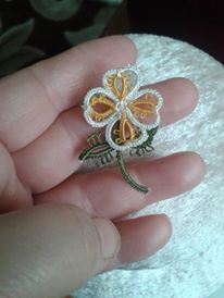 ı prepared four -leaf clover pattern if you have any question about the pattern,please send me a message through Etsy or contact me at Tatting Necklace, Tatting Jewelry, Lace Jewelry, Needle Tatting, Tatting Lace, Shuttle Tatting Patterns, Knitted Flowers, Four Leaf Clover, Lace Making
