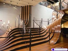 Look at these awesome stairs! I totally want them!