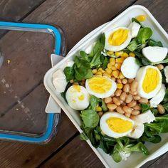 Ecco: arriva quel momento dell'anno in cui i piatti scaldati al microonde lasciano il posto alle insalate fresche con uova sode e mozzarella (senza lattosio!) Voi come vi organizzate per la pausa pranzo fuori casa?