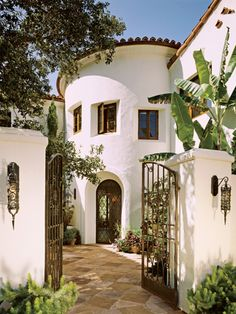 House Exterior Colonial Spanish Revival New Ideas Exterior Colonial, Colonial Revival Architecture, Spanish Architecture, Mediterranean Architecture, Spanish Exterior, Exterior Homes, Modern Exterior, Spanish Colonial Homes, Spanish Style Homes