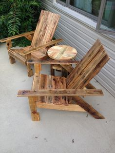 Delightful Pallet Wood Table And Chairs