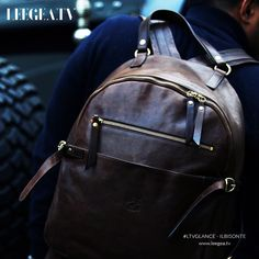 IL Bisonte Sling Backpack, Bespoke, Bring It On, Backpacks, Mens Fashion, Street, Chic, Bags, Taylormade