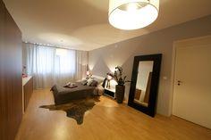 Spálňa Oversized Mirror, Furniture, Home Decor, Decoration Home, Room Decor, Home Furnishings, Home Interior Design, Home Decoration, Interior Design