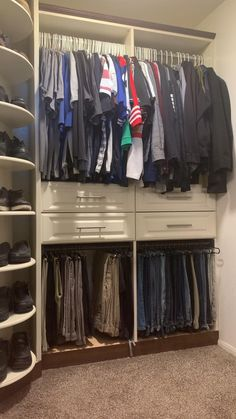 Master Closet Design, Wardrobe Design Bedroom, Master Bedroom Closet, Ikea Closet Design, Bedroom Turned Closet, Corner Wardrobe Closet, Small Closet Design, Man Closet, Family Closet