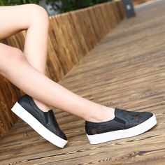 Find More Flats Information about Summer New Fashion Platform Sneakers Shoes Woman Sport Casual Star Zapatos De Mujer Color Black White Size 35 to 39,High Quality shoes women sport,China shoes women flats Suppliers, Cheap shoe stores women from shoesmansway on Aliexpress.com