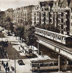 Berlin, Schönhauser Allee Ecke Eberswalder Straße, 1952. Fotograf unbekannt.