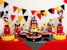 Happy Birthday B, Fiesta Mickey Mouse, Mickey Mouse Clubhouse Birthday Party, Mickey Mouse Parties, Mickey Birthday, Mickey Party, Mickey Minnie Mouse, Miki Mouse, Theme Mickey