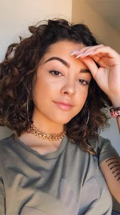 Short Curly Hair, Curly Girl, Wavy Hair, New Hair, Medium Curly, Curled Hairstyles, Pretty Hairstyles, Malu Trevejo Outfits, Hair Inspo