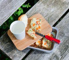 In Stücke geschnitten lässt sich diese Terrine problemlos für ein Picknick transportieren - und schmecken tut sie sowieso unglaublich gut.