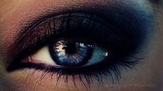 Wow. This is why I would kill for blue eyes. People with blue eyes: PLAY WITH YOUR MAKEUP! It's really the best eye color to dramatize.