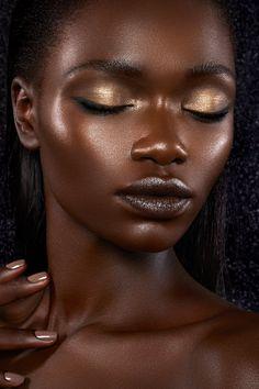 Ph & retouch by Natascha Lindemann … Soft Eye Makeup, Hazel Eye Makeup, Asian Eye Makeup, Simple Eye Makeup, Makeup For Green Eyes, Blue Makeup, Natural Makeup, Eye Palette, Eyeshadow Palette