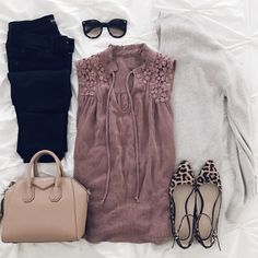 Work outfit or night out cute office outfits, simple outfits, casual outfit Casual Outfits, Cute Outfits, Fashion Outfits, Womens Fashion, Office Outfits, Simple Outfits, Fashion Ideas, Sweater Weather, Spring Summer Fashion