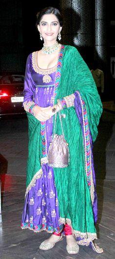 Sonam Kapoor at Shahid Kapoor and Mira Rajput's wedding reception. #Bollywood #ShahidMiraReception #ShahidKiShaadi #Fashion #Style #Beauty #Ethnic #Desi