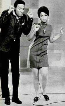 Marvin Gaye & Tammi Terrell Both died so early in their lives. Music Icon, Soul Music, Tammi Terrell, Tamla Motown, Black Celebrities, Foreign Celebrities, Vintage Black Glamour, Soul Singers, Old School Music