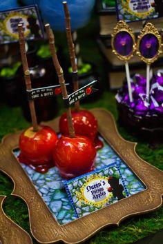 Snow White themed birthday party via Kara's Party Ideas KarasPartyIdeas.com Cake, cupcakes, invitation, supplies, games, and more! #snowwhite #snowwhiteparty #karaspartyideas (29)