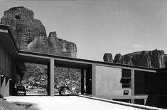 Bilderesultat for aris konstantinidis ioannina museum Xenia Hotel, Greek House, Motel, Athens, Modern Architecture, Mount Rushmore, Greece, Museum, Exterior