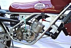 Bridgestone had a screaming fast 350 twin with rotary valve around as well as smaller singles that were also pretty good performers before they got out of the motorcycle business. Truck Engine, Motorcycle Engine, Racing Motorcycles, Vintage Motorcycles, Jawa 350, Motocross Action, 50cc, Sump, Cool Bikes