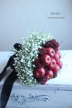 カスミソウとりんごのブーケ baby's breath apple bouquet