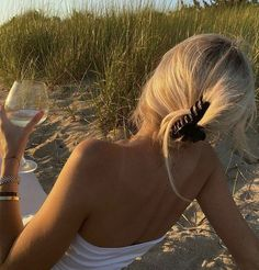 Aesthetic Hair, Summer Aesthetic, Blonde Aesthetic, Beach Aesthetic, Aesthetic Outfit, Flower Aesthetic, Travel Aesthetic, Aesthetic Vintage, Aesthetic Photo