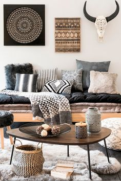 Pictures of bohemian style living rooms modern room decor ideas home design chic a mode Decor, Home Living Room, House Styles, Home Decor, Room Inspiration, House Interior, Bohemian Style Living Room, Living Decor, Living Room Designs
