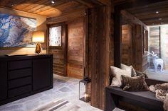 Interiors #AlpineChalet #SkiChalet #ChaletInteriors #InteriorDesigners #InteriorDesign #Ski #Skiing #Architectural #Design #Luxury #LuxuryInteriors #Chalet #Meribel #France #LaughlandJones #Alps #Artwork #Sculpture #Christmas #WindowSeat #Cushions #Warm