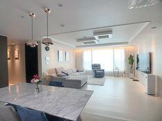 Home Room Design, Dream Home Design, Modern House Design, Home Interior Design, Apartment Interior, Apartment Design, Inside A House, Luxury Homes Interior, Aesthetic Bedroom