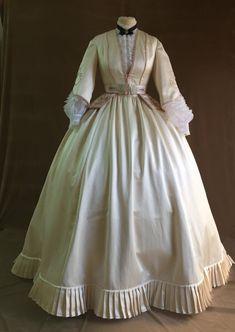 Vintage Dresses, Vintage Outfits, Victorian Dresses, Victorian Dress Costume, Vintage Hats, Pretty Dresses, Beautiful Dresses, Victorian Fashion, Vintage Fashion